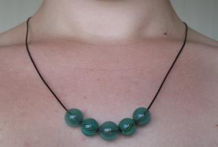 Collier en perles soufflées 3