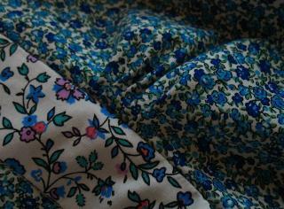 Fronces sous poitrine Robe à fleurs bleues